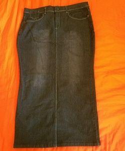 Dresses & Skirts - Skinny Denim Skirt